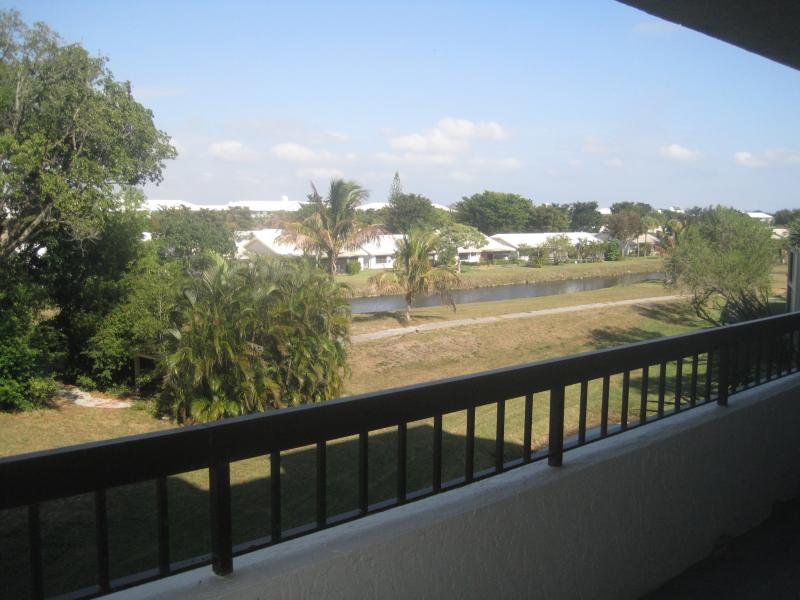 Boca Del Mar Condo for sale