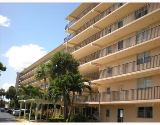 Boca Raton Condos for Rent Boca Teeca Carolyn Boinis RE/MAX