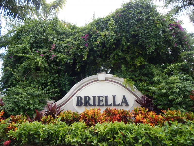 Carolyn Boinis Real Estate Agent rented Townhouse Briella Boynton Beach Florid