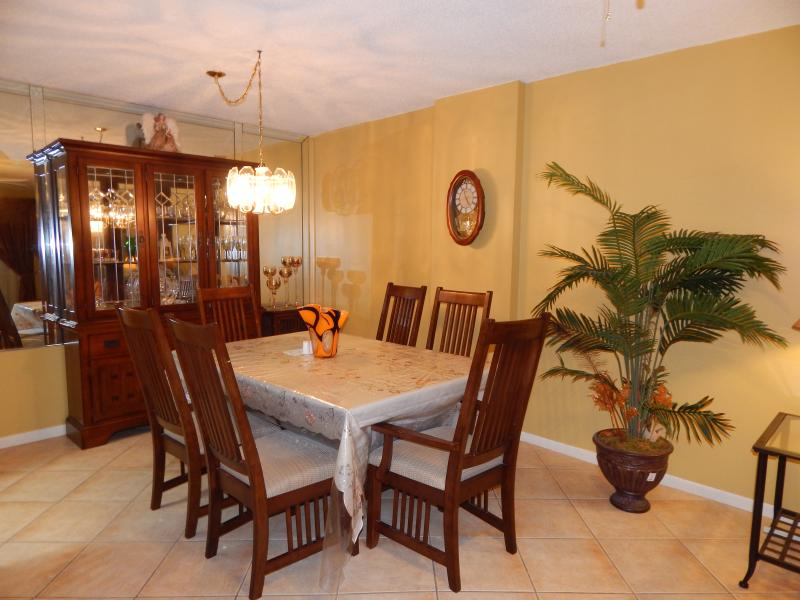 East Boca Raton Funished Rental Carolyn Boinis RE/MAX