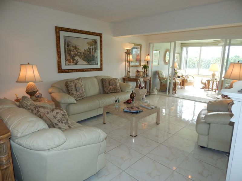 Pines of Delray Beach North 2/2 Condo for Sale Carolyn Boinis Realty Associates