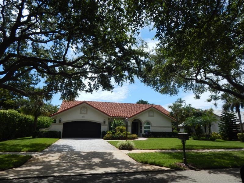 Beautiful Boca Raton Home Carolyn Boinis #1 Real estate Agent