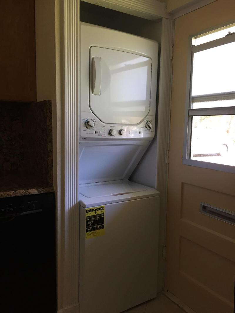 Private Washer Dryer Boca Teeca Condo for rent Boca Raton Carolyn Boinis