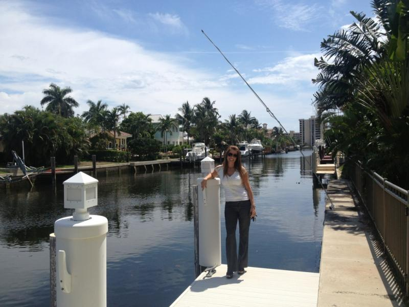 Boca Raton Real Estate Agent Carolyn Boinis Sells Homes