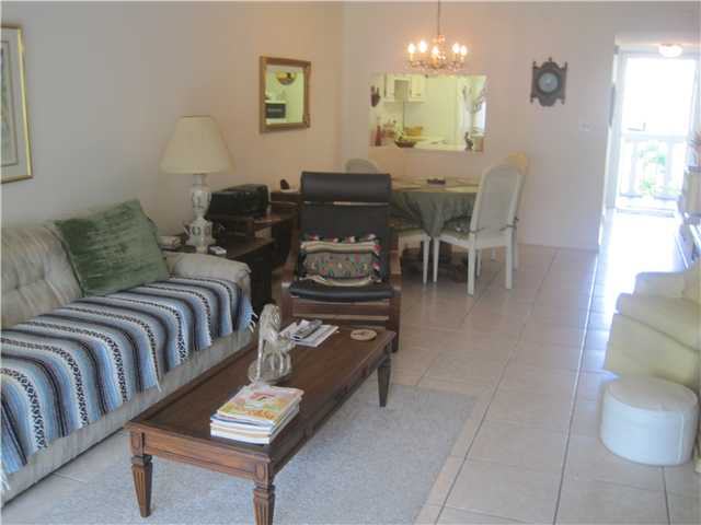 9856 Marina Blvd Boca Raton FL Condo for sale Carolyn Boinis RE/MAX