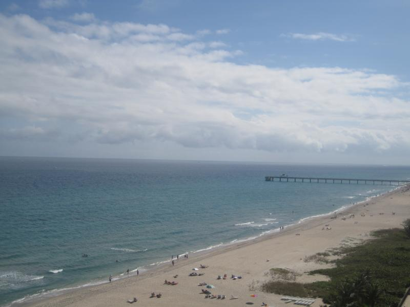 Deerfield Beach Pier Carolyn Boinis Real estate Agent